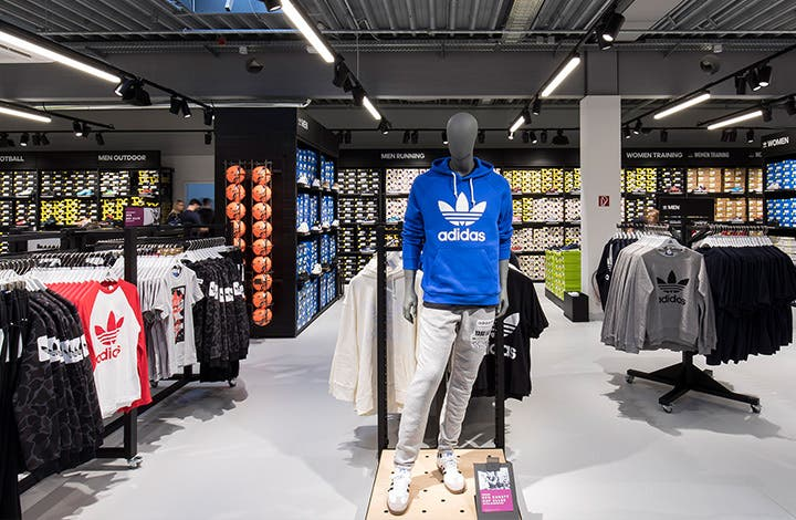 adidas outlet: Sports fashion reduced | OUTLETCITY METZINGEN