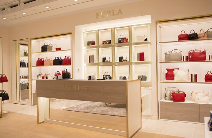 Furla Outlet Store 01