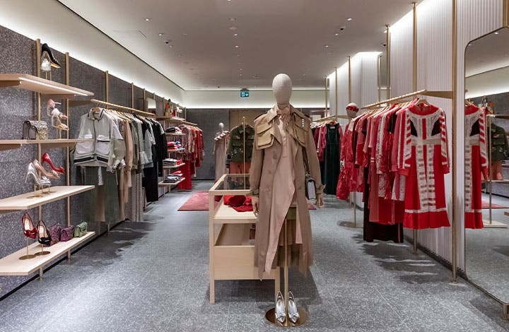 Valentino Outlet Store 04