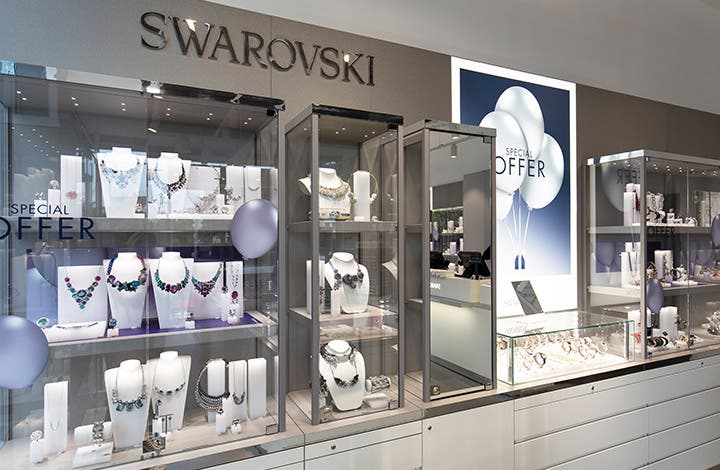 Find Swarovski Outlet Locations * Store locations can change frequently. Please check directly with the retailer for a current list of locations before your visit.