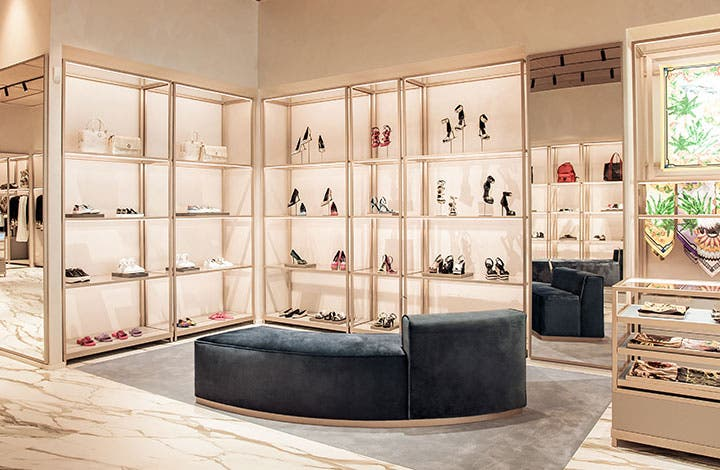 Versace Outlet Store 01