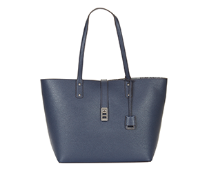 Women's shopper Karson