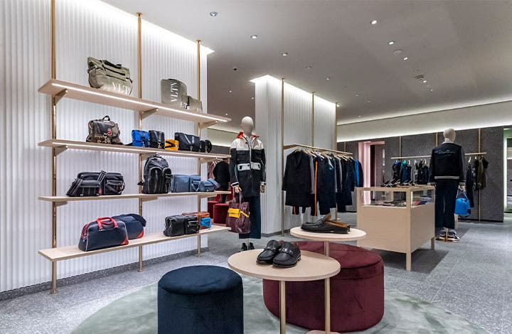 Valentino Outlet Store 01